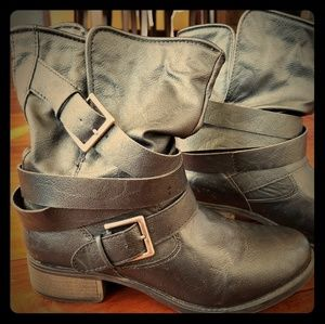 Candie's boot
